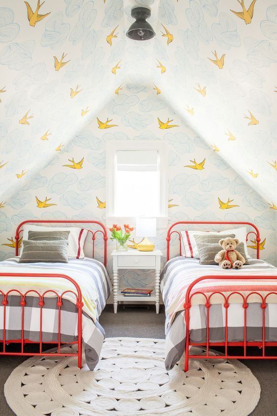habitaciones-infantiles-para-hermanas-con-papel-pintado