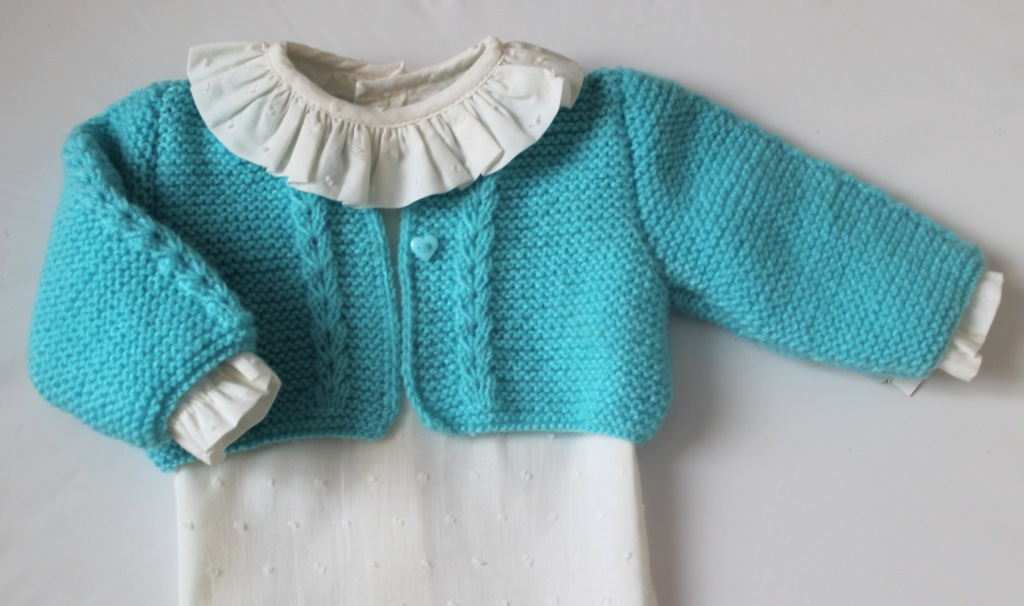 Chaqueta de punto y camisa de plumeti para bebé