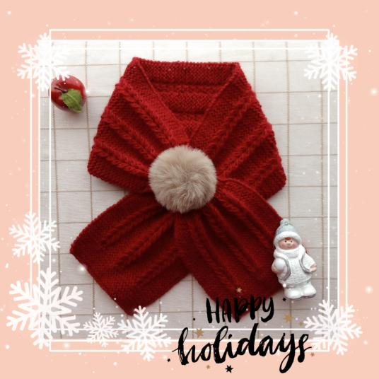 bufanda-roja-con-pompon-para-navidad
